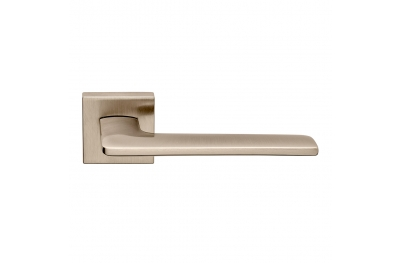 Boston Series Fashion forme Door Handle on Square Rosette Frosio Bortolo Made in Italy