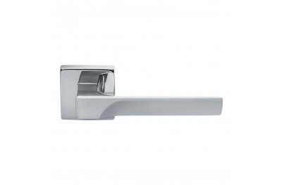 Flash Basic Manital Polished Chrome Pair of Door Lever Handles