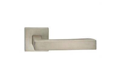 Hammer Series Fashion forme Door Handle on Square Rosette Frosio Bortolo Minimal Style