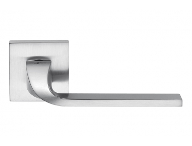 Isy Satin Chrome Italian Door Handle on Rosette Designed by Architects for Colombo Design