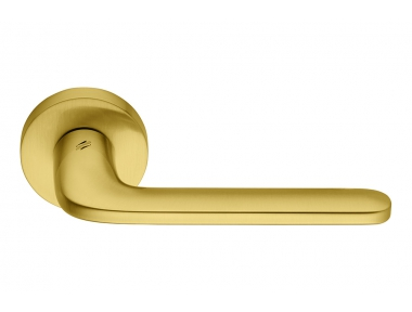 Roboquattro Oromat Door Handle on Rosette with Young Fresh Style by Colombo Design