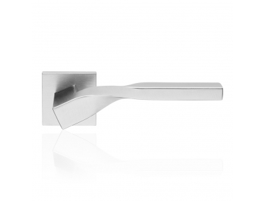 Twist Zincral Satin Chrome Door Handle With Rose With Eclectic Shape Design Linea Calì Design