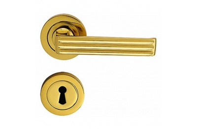 Verona Handle on Round Rose With Keyhole Covers With Spring of Classic Tradition Bal Becchetti