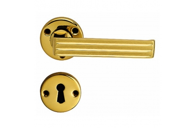 Verona Handle on Round Rose With Keyhole Covers Screws in View of Classic Tradition Bal Becchetti